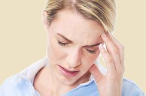 Что делать в случае развития приступа мигрени? Как оказать первую помощь в домашних условиях?